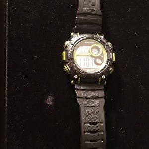 Preowned armitron watch working